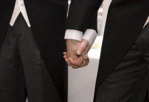 M&M holding hands mount tamborine
